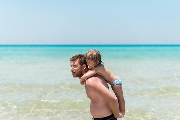 Père, tenue, fils, plage