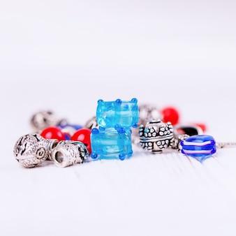Perles en verre de murano et argent, ensemble