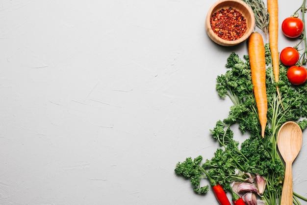 Persil frais et légumes