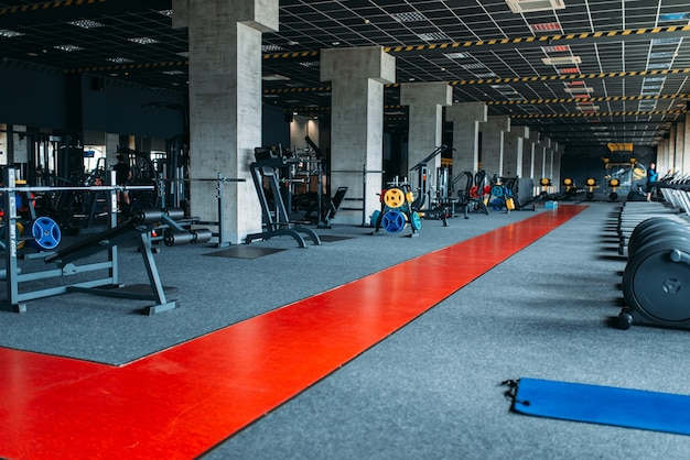 Personne de gym, club de fitness vide