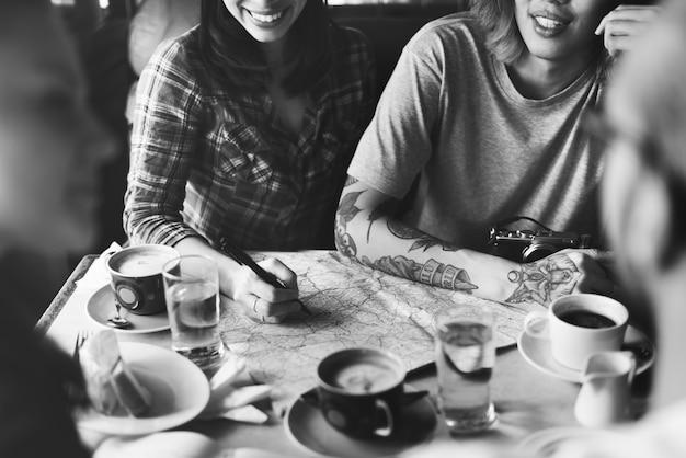 Personnes amitié hangout voyage destination de vacances concept