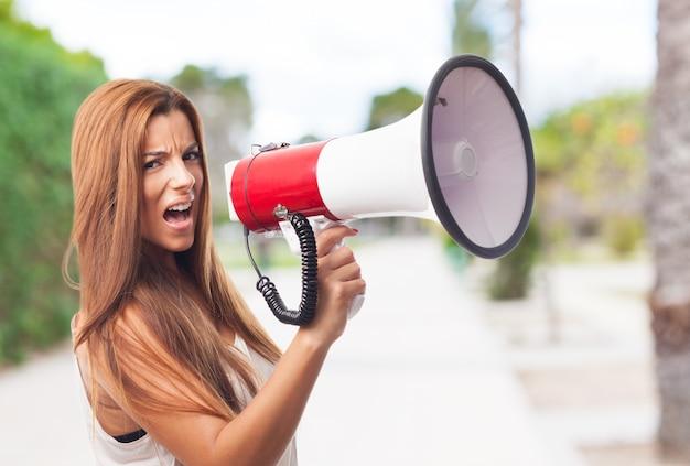 Personnes humaines annoncent haut-parleur hispanique