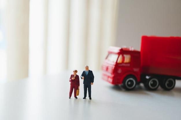 Personnes miniatures