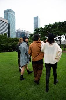 Personnes portant des vêtements esthétiques k-pop