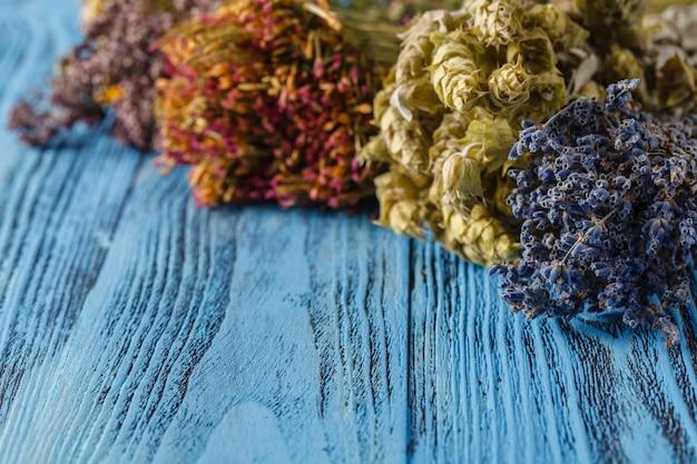 Pétales de fleurs séchées: lavande parfumée