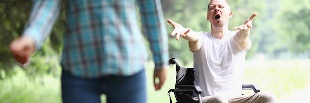 Petit ami abandonné après un accident de voiture. concept de service de soutien psychologique. processus de problème social.