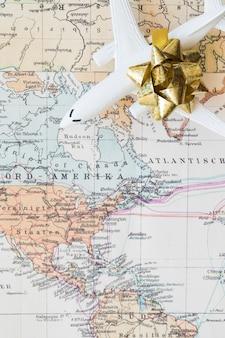 Petit avion sur la carte