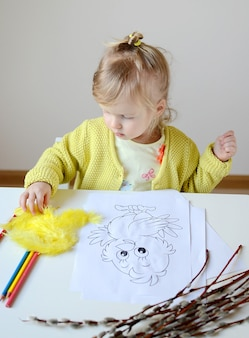 Petit bébé fille peinture