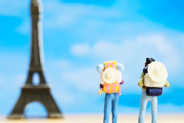 Petit chiffre de voyageur pour la journée mondiale du tourisme
