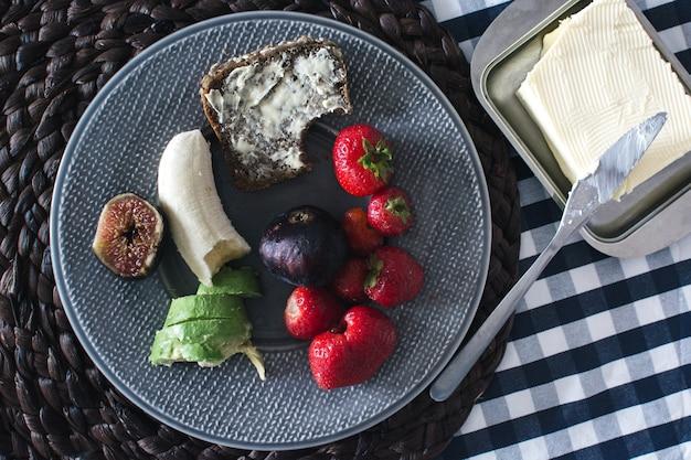 Petit déjeuner d'été simple