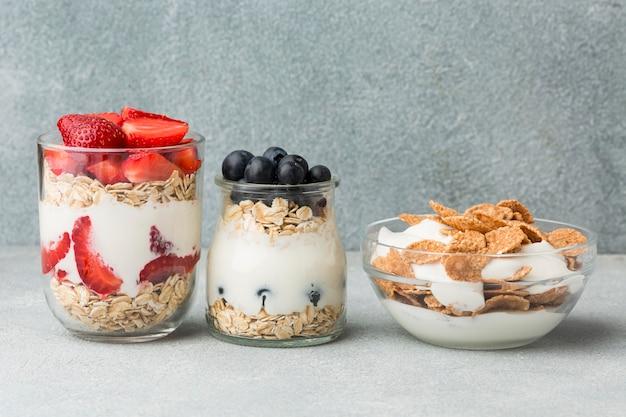 Petit-déjeuner en gros plan avec des céréales
