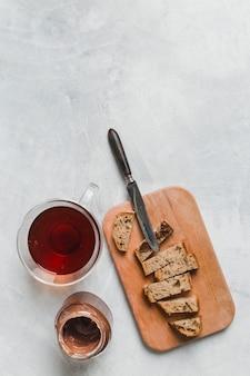Petit déjeuner avec thé