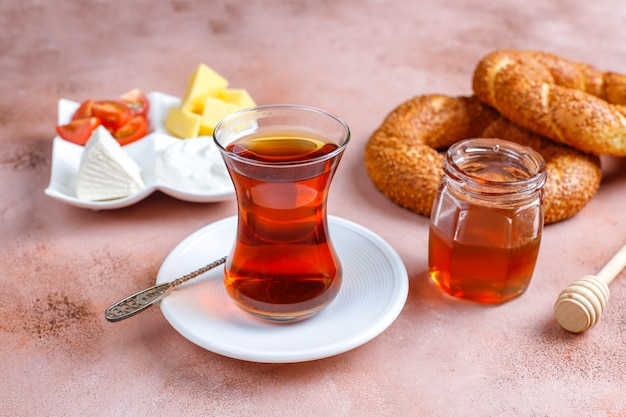Petit déjeuner turc traditionnel.