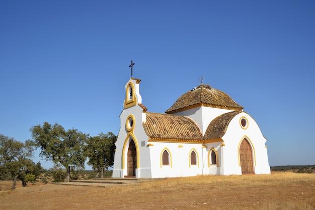 Petit ermitage à la campagne pour célébrer les pèlerinages au printemps