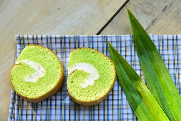 Petit pain à la crème de pandan