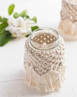 Petit vase en verre pot bougeoir avec couvercle en macramé style bohème décor à la maison bohème mariage