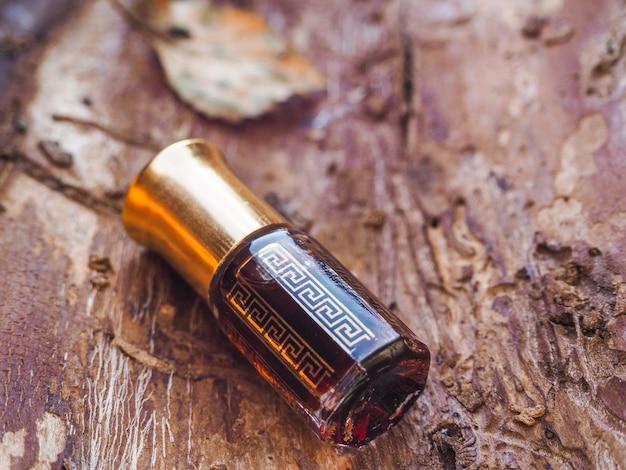 Petite bouteille d'huile de bois d'agar