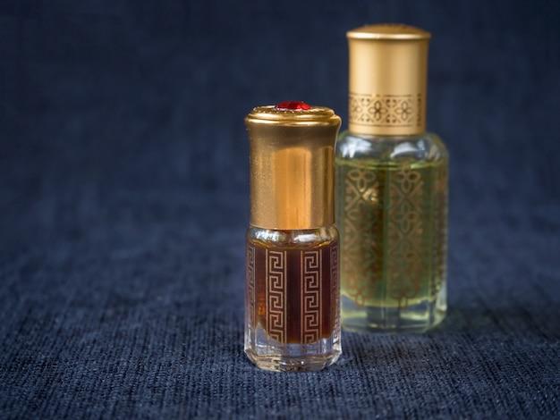 Petite bouteille d'huile parfumée d'agarwood