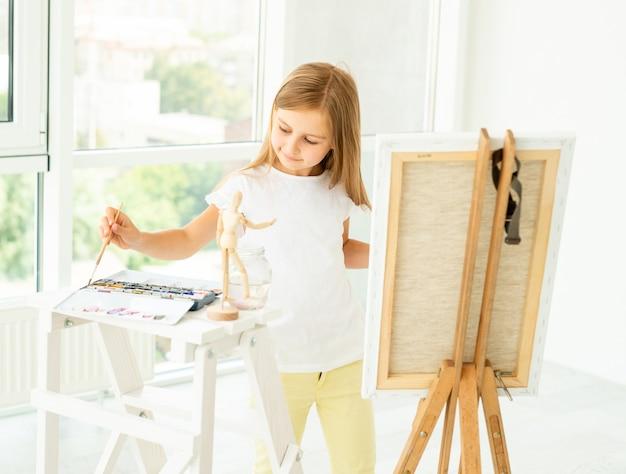 Petite fille mignonne peint sur toile