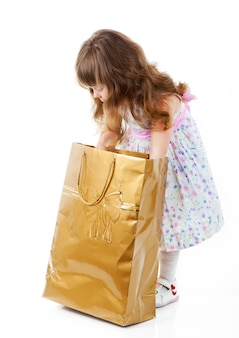 Petite fille shopping