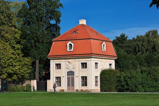 La petite maison à moritzburg schloss en allemagne, saxe