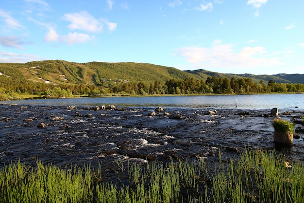La petite rivière en norvège, scandinavie