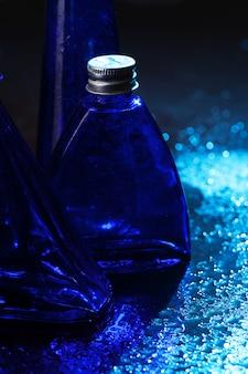 Petites bouteilles bleues