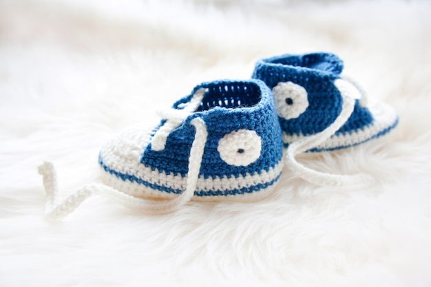 Petites chaussures de bébé.
