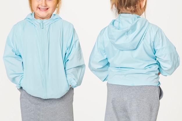 Petites filles en sweat à capuche bleu