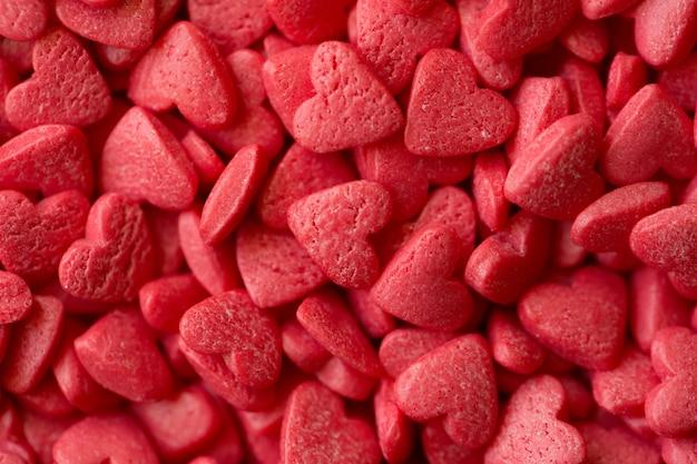 Petits coeurs de bonbons, gros plan