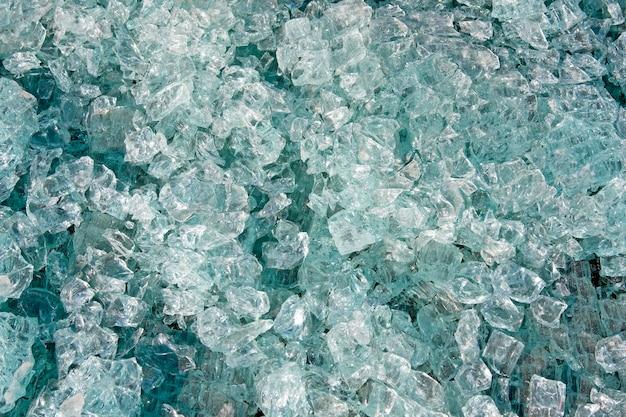 Petits fragments de verre de sécurité brisé