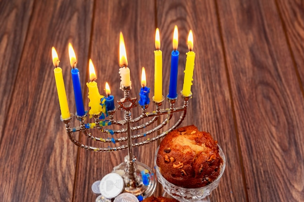 Petits gâteaux juifs de vacances composés d'éléments le hanukkah