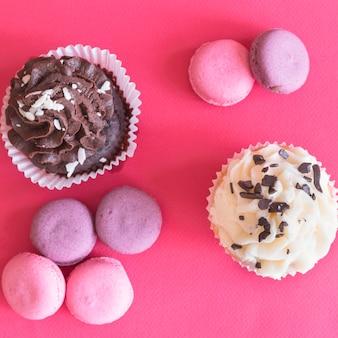 Petits gâteaux et macarons