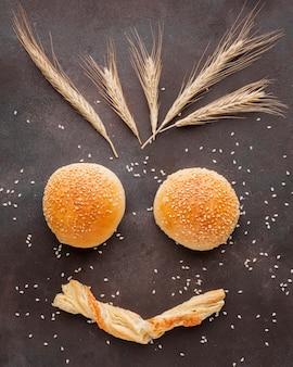 Petits pains artistiques aux graines de sésame
