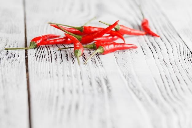 Petits piments rouges chauds