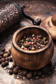 Petits pois ou grains de poivre