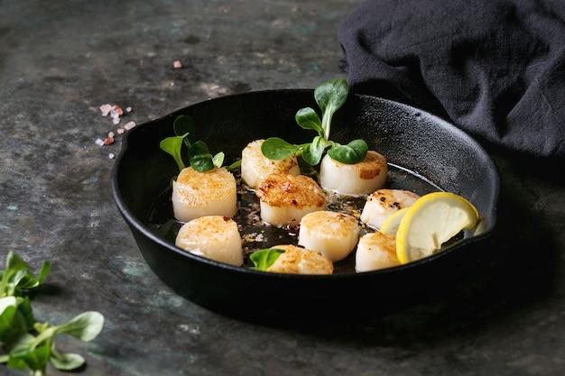 Pétoncles frits à la sauce au beurre