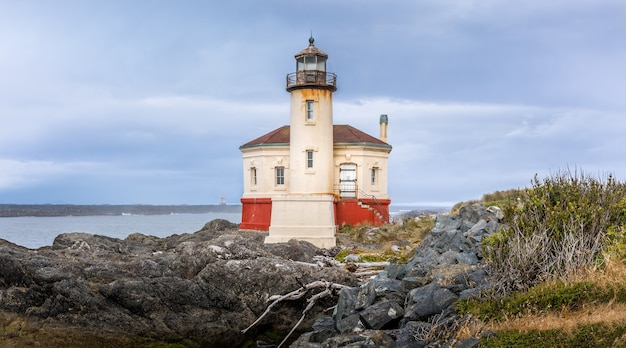 Le phare historique de la rivière coquille, bandon oregon usa