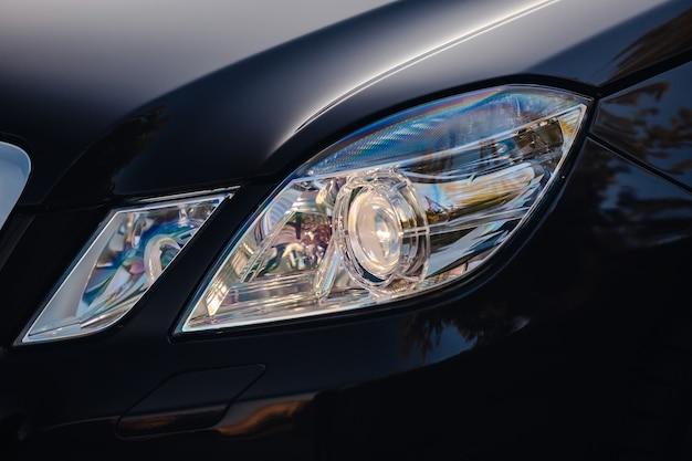 Phares automobiles modernes