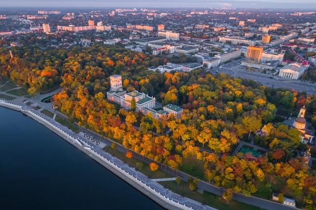 Photo aérienne du palais homiel, biélorussie