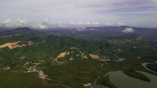 Photo aérienne du paysage de montagne en thaïlande