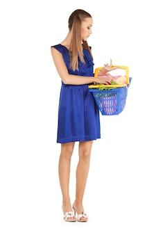 Photo de belle femme avec panier