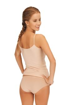 Photo de belle femme en sous-vêtements en coton