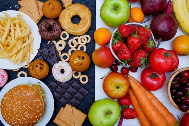 Photo de concept d'aliments sains et malsains