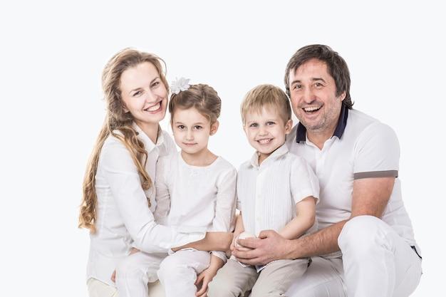 Photo de famille famille heureuse parents et enfants