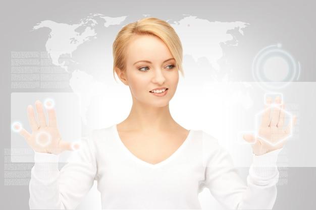Photo D'une Femme D'affaires Travaillant Avec Un écran Tactile Photo Premium