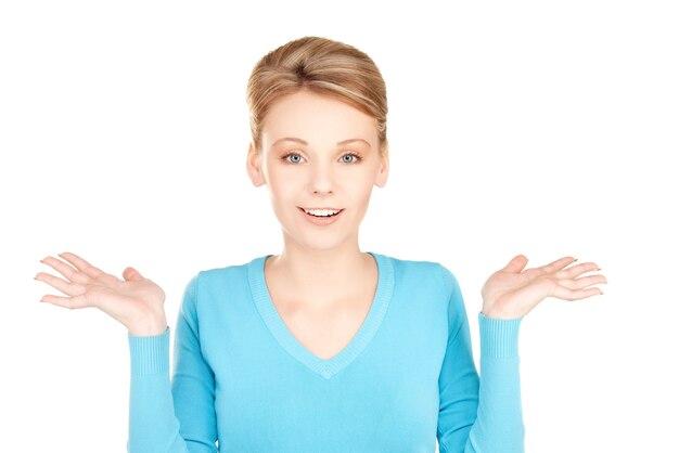 Photo de femme avec une expression faciale de surprise