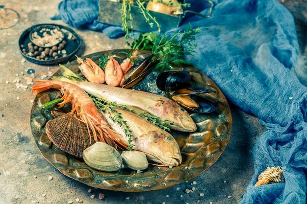 Photo de fruits de mer sur une assiette