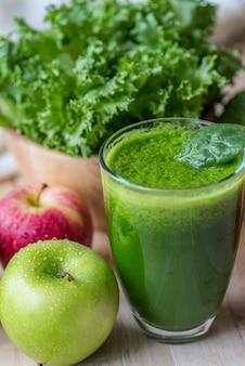 Photo macro de smoothie vert frais