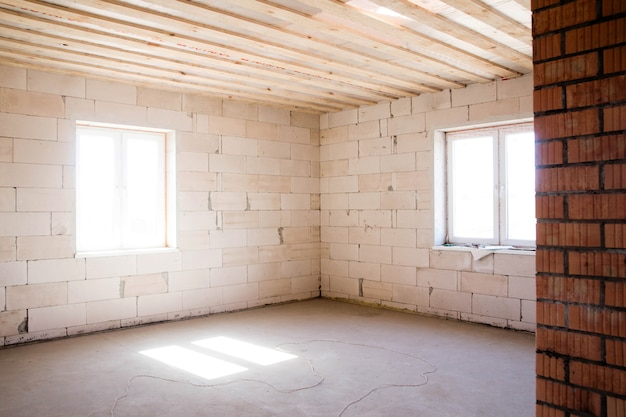 Photo d'une pièce vide pour de futures réparations